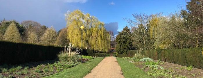 Waterloo Park is one of Tempat yang Disukai Vishan.