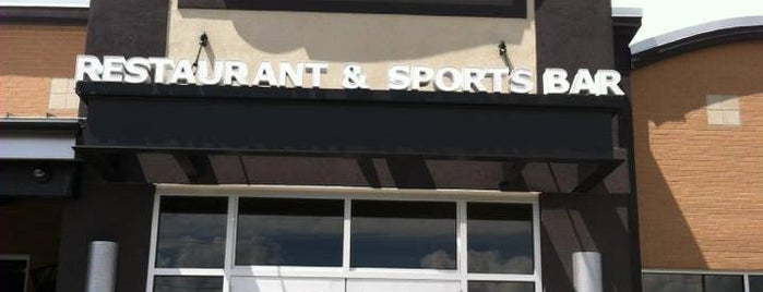 Boston's Restaurant & Sports Bar is one of C 님이 좋아한 장소.