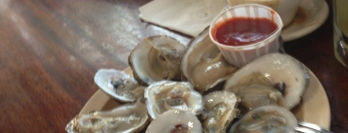 Captain Tom's Seafood & Oyster is one of Daniel 님이 좋아한 장소.