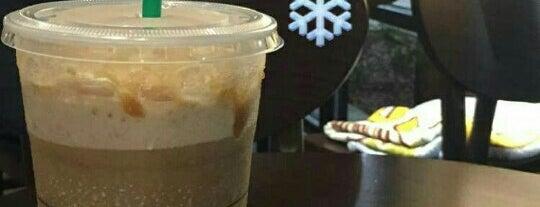 Starbucks is one of Orte, die Karina gefallen.