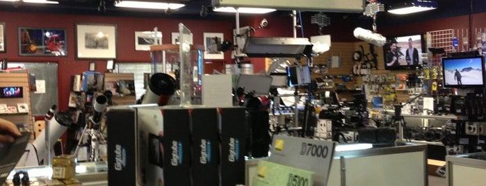 The Camera Store is one of Locais curtidos por Ernest.