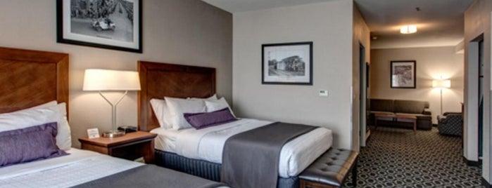 Bluemont Hotel is one of Tempat yang Disukai Joe.