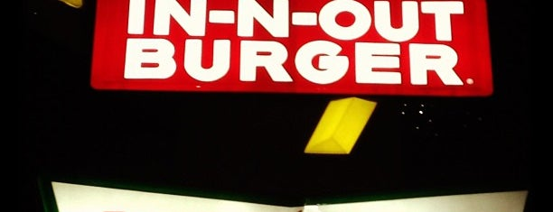 In-N-Out Burger is one of Johnny 님이 좋아한 장소.