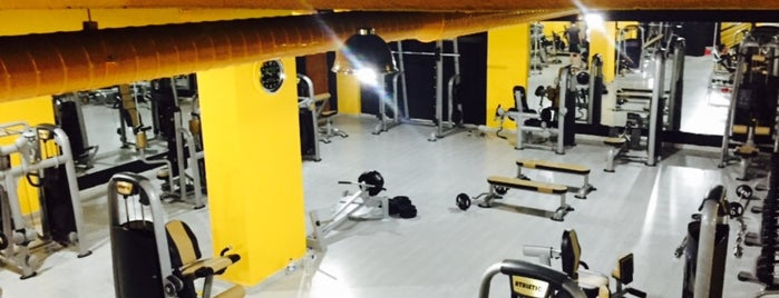 Slim Fitness Center is one of Orte, die MUTLU gefallen.