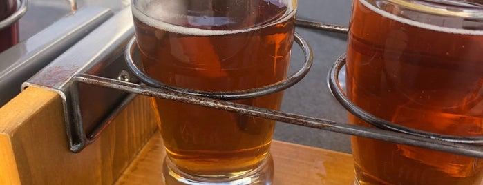 Burning Blush Brewery is one of Bribble'nin Beğendiği Mekanlar.