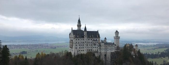 Neuschwannstein is one of MUN.