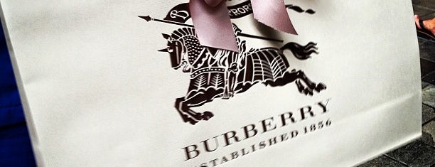 Burberry is one of Hawaii Omiyage.