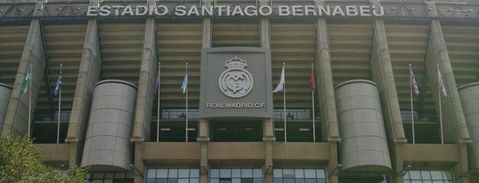 Estadio Santiago Bernabéu is one of Estadios de fútbol de 1ª.