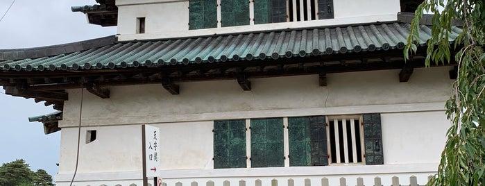 弘前城天守 is one of Posti che sono piaciuti a 西院.