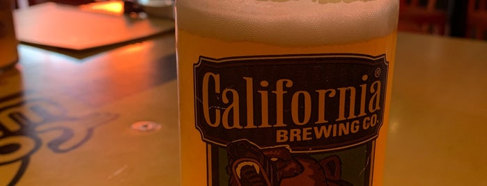 California Wings And Beer is one of Locais curtidos por Gaston.