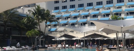 The Ritz-Carlton, South Beach is one of Tempat yang Disukai Naci.