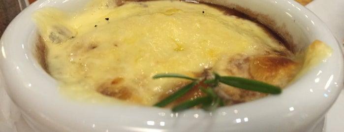 La Bonbonniere is one of Locais curtidos por Valeria.