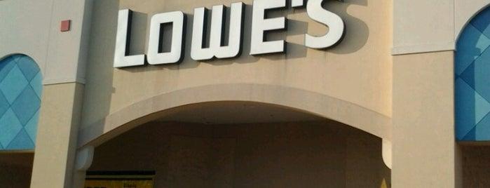 Lowe's is one of Tempat yang Disukai Daniel.