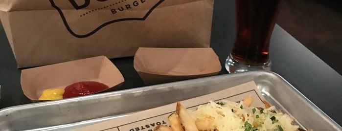Super Duper Burgers is one of Tempat yang Disukai Yishan.