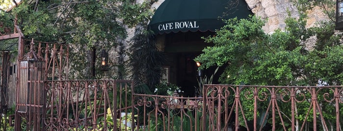 Cafe Roval is one of Lugares guardados de 🦁.