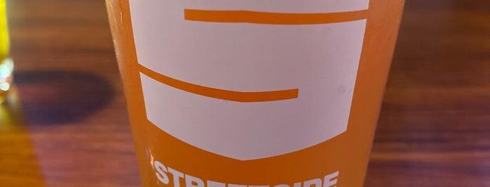 Streetside Brewery is one of Lugares favoritos de Matt.