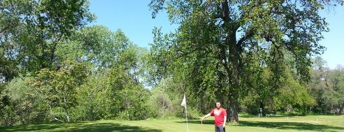 Allens Golf Course is one of Melanie : понравившиеся места.
