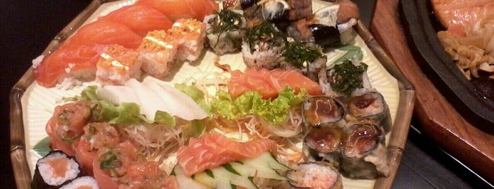 Niwa Sushi is one of Jacquelineさんの保存済みスポット.