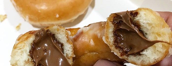 Krispy Kreme is one of Locais curtidos por Shank.