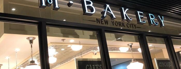 M Bakery is one of Tempat yang Disukai Shank.