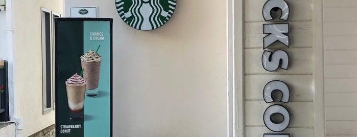 Starbucks is one of สถานที่ที่ Bulent ถูกใจ.