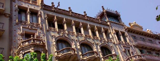 Casa Thomas is one of Ruta a l'Eixample. La ruta del modernisme.
