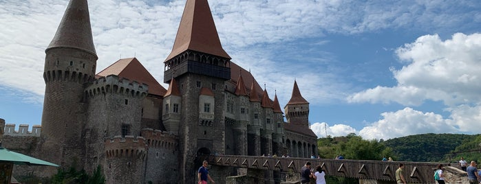 Corvin castle is one of Justin : понравившиеся места.