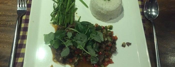 Mahob Khmer Cuisine is one of Locais salvos de Luis.