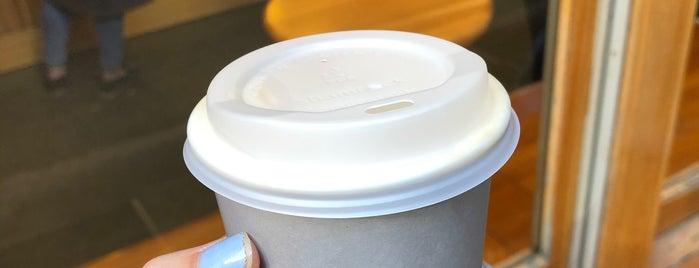 Shortstop Coffee & Donuts is one of Gespeicherte Orte von Alex.