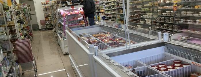 7-Eleven is one of Atsushi'nin Beğendiği Mekanlar.
