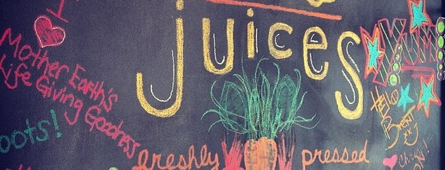 Roots Juices is one of Dallas'ın Kaydettiği Mekanlar.