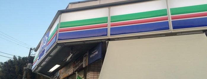 スリーエフ 青葉元石川町店 is one of Tempat yang Disukai Shinichi.