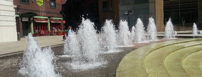 Brindleyplace is one of Lugares favoritos de Kevin.