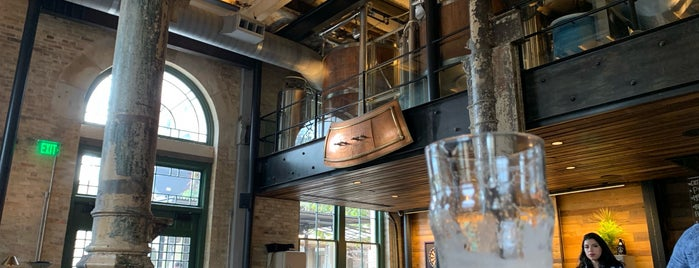 Southerleigh Fine Food & Brewery is one of The Dog's Bollocks' San Antonio.