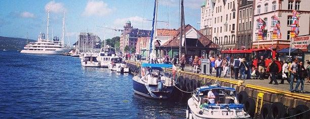 Bergen havn is one of Posti che sono piaciuti a Diego.