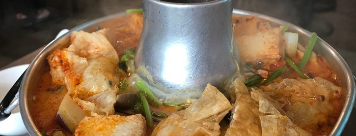 New Fut Kai Vegetarian Restaurant is one of Vegetarian / SG.