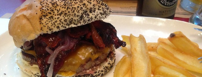 Mamy Ildy is one of Burger Barcelona Tour.