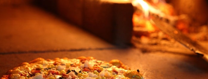 Nilli Pasta & Pizza is one of Dan: сохраненные места.