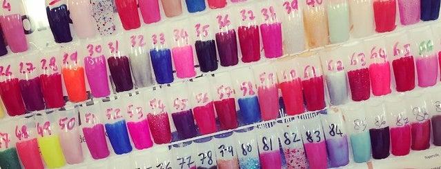 Gorgeous Nails is one of Orte, die Jennifer gefallen.