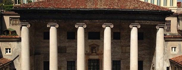 Museo Lapidario Maffeiano is one of La memoria di Verona.