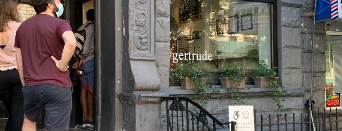 Gertrude is one of Lieux qui ont plu à Liz.