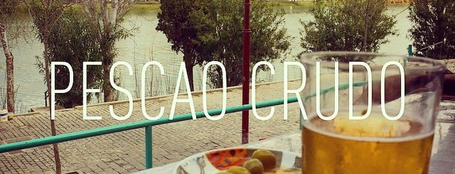 pescao crudo is one of Lugares favoritos de Becoming.