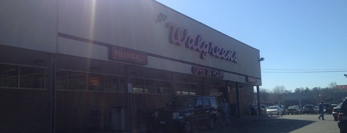 Walgreens is one of Tempat yang Disukai Autumn.