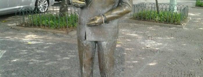 Estátua de Ibrahim Sued is one of Rio de Janeiro.