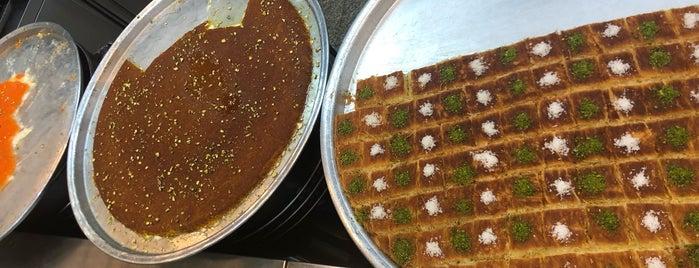 Qwaider Al Nabulsi Restaurant & Sweets مطعم وحلويات قويدر النابلسي is one of Locais salvos de Travelsbymary.