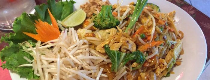 Thai Thai is one of สถานที่ที่ John ถูกใจ.