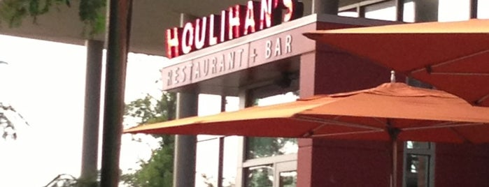 Houlihan's is one of Lieux qui ont plu à Greg.