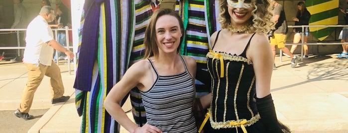 Mardi Pardi Stage is one of Orte, die Super gefallen.