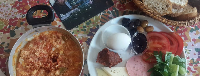 Kara Kafe is one of ist breakfast.