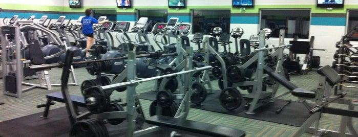 Lakeview Fitness Center is one of Locais salvos de Klaudia.